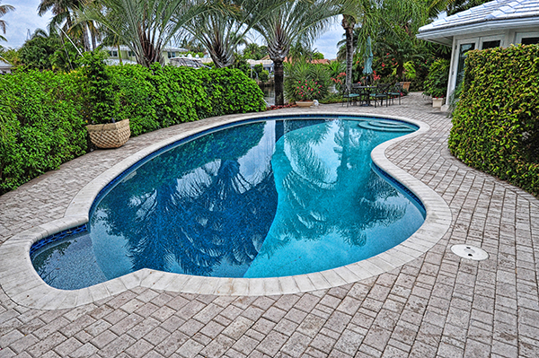 paving-contractor-pool-deck